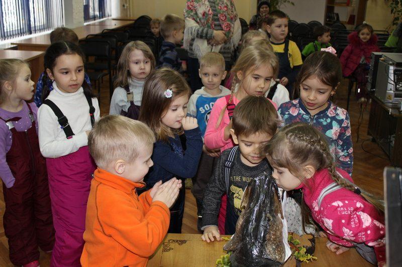 Дети на выставке мультипликатора 05