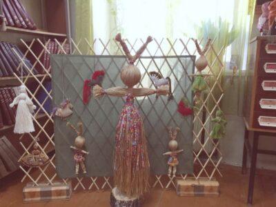 Выставка народной игрушки  01