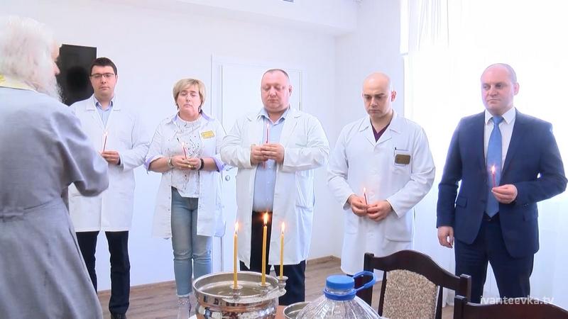 о. Иоанн освятил отремонтированный хирургический корпус ЦГБ