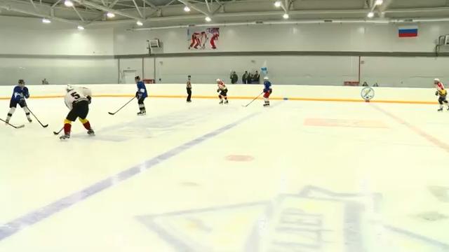 Хоккей. «Лидер»   «Кристалл» 00 00 35