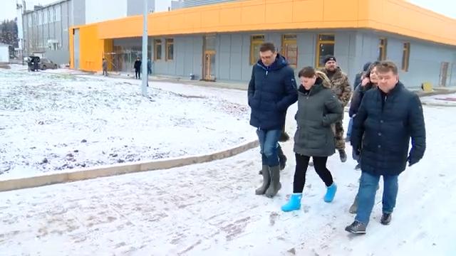 Максим Красноцветов с заместителями оценили ход строительства социальных объектов 00 01 43