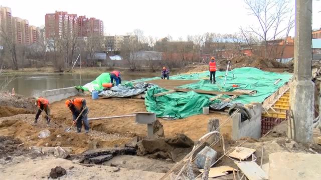 На плотине через Учу строители приступили к последнему этапу капитального ремонта 00 00 09