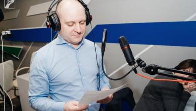 Photo of Глава города Максим Красноцветов записал новогоднее поздравление для трансляции на Радио 1