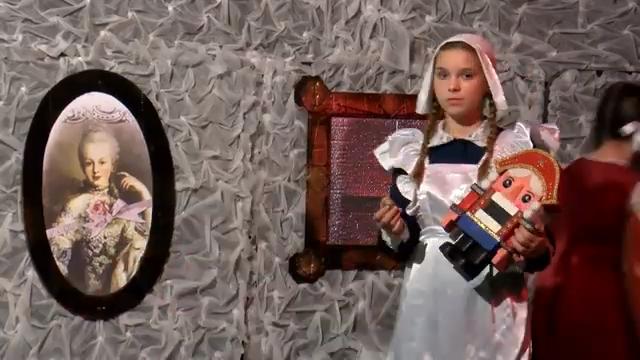 в школе №5 поставили спектакль по мотивам всеми любимой сказки «Щелкунчик» 00 00 26