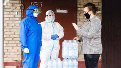 Photo of Члены фракции «Единая Россия» передали медикам Ивантеевской больницы 168 упаковок питьевой воды