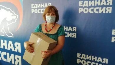 Photo of Ивантеевское предприятие «Ника» передало в отделение партии «Единая Россия» более 300 масок