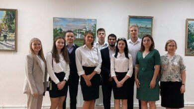 Photo of Активисты Молодежного Медиацентра посетили выставку художника импрессиониста Константина Чудного