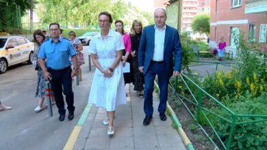 Photo of Содержание подъездов в жилых домах, дворов и дорог – под контролем министра (видео)