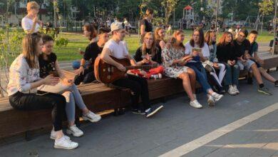 Photo of В сквере на Центральном проезде прозвучали любимые песни