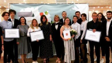 Photo of Миронова Мария Евгеньевна и Гриднева Анастасия из СОШ №2 получили награды