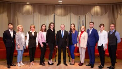 Photo of Глава города встретился с сотрудниками КМДЦ»АктИв»
