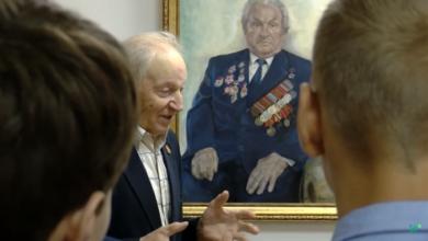Photo of Вспоминая подвиг ветерана. В центральной городской библиотеке прошла патриотическая беседа с учащимися гимназии №6 (видео)
