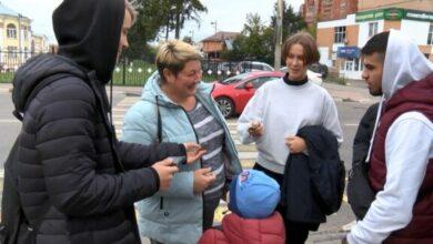 Photo of «Никакого дыма!» Участники Молодёжного центра «Актив» устроили антитабачную акцию на улицах города (видео)