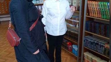 Photo of В Центральной городской библиотеке новые читатели знакомятся с книжным фондом библиотеки