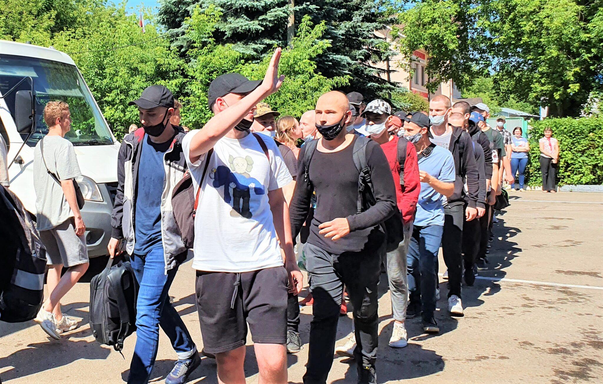 Более 50 призывников из Пушкино, Ивантеевки и