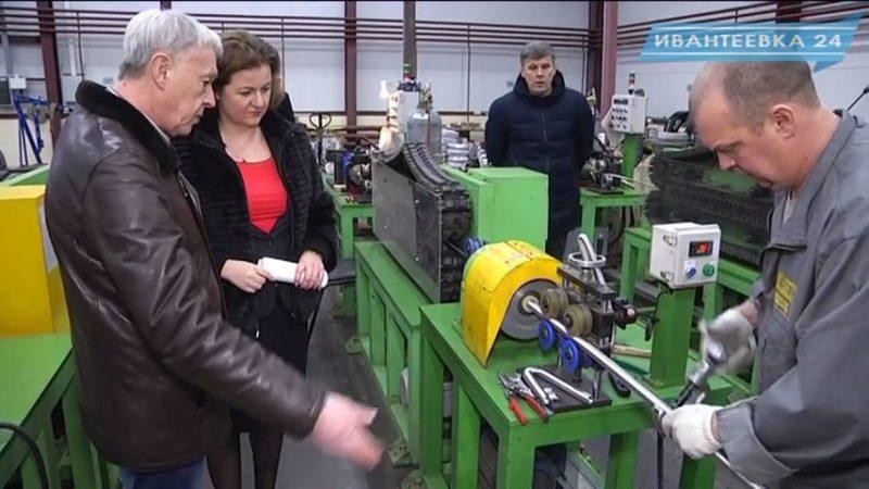 Елена Ковалева на фабрике Дзержинского